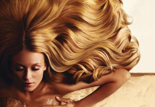 Недолік блиску волосся може свідчити про брак вітамінів і корисних речовин. Головне, правильно харчуватися, вживаючи в їжу такі продукти, як молочні п