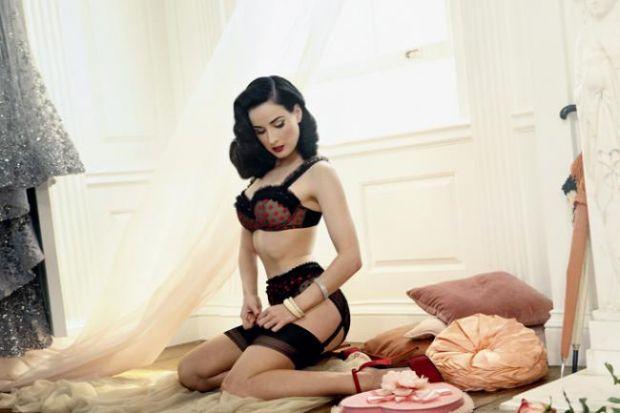 Елегантне, сексуальне, зручне, яке підкреслює форми і коригує недоліки... Так-так, ми про нижню білизну.Білизна може звести з розуму як жінок, так і ї