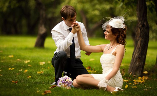 Кожна дівчина неодноразово уявляла в своїх мріях, як одягає біле плаття і йде назустріч йому - тому єдиному, якому вона буде вірною все життя...