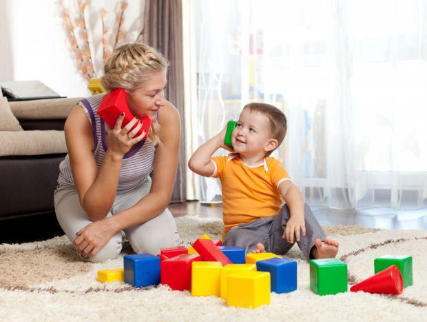 Зараз, щоб забезпечити своєму малюку щасливе і безтурботне майбутнє, багато батьків цілодобово пропадають на роботі. А в цей час у дитини розвивається