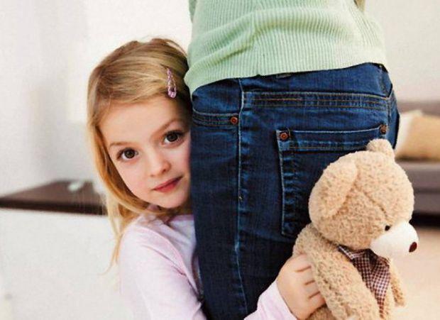 Як проявляється сором'язливість у дитини і що з цим робити - читайте далі.