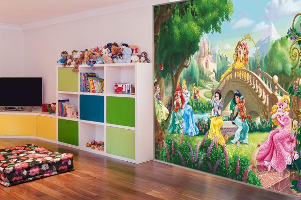 В стремлении красиво оформить детскую комнату, молодые родители нередко обращаются в интернет-магазины, покупая там красивые детские фотообои, предлож
