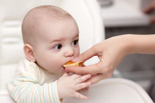 Чи знали ви, що вміння жувати дитиною тверду їжу позначається на розвитку мови? І якщо дитина не вміє жувати їжу до року, а в 3-4 роки відмовляється ї