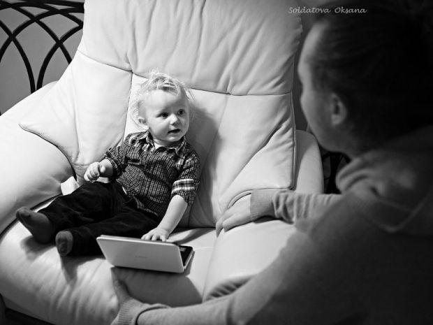 Якщо під час спілкування з дитиною ви розумієте, що чадо сприймає вас, як друга, а не як батька/маму, варто замислитись над тим, чи зможете ви в потрі