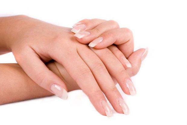 Ви мрієте про красиві довгі нігті, а вони все ніяк не ростуть, та ще й взимку стали надто ламкими?