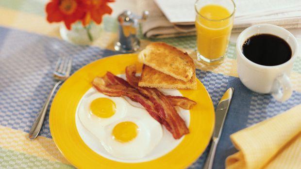 Дієтологи назвали продукти, які ідеально споживатиі на сніданок, особливо людям, які бажають позбутися зайвої ваги.