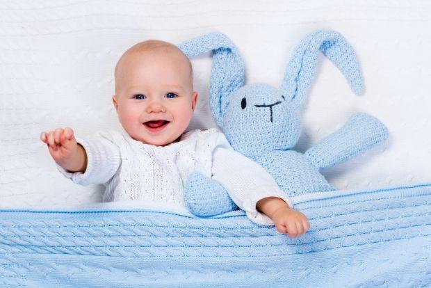 Коли чекати від малюка посмішки?