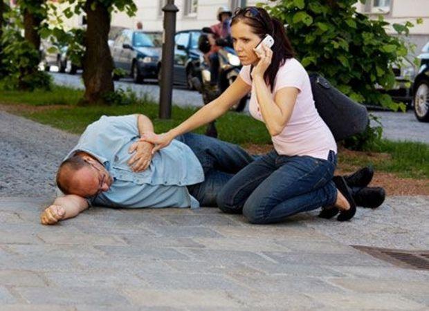 Непритомності може тривати від кількох секунд до кількох хвилин.