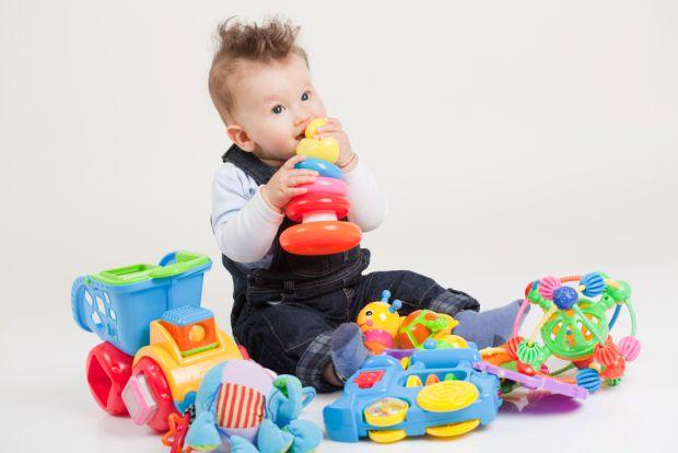 Оберіть правильну іграшку для своєї дитини.