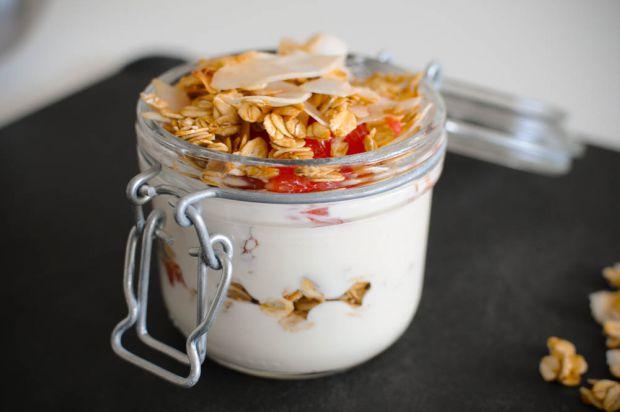 Правильний сніданок може задати гарний настрій на весь день. До того ж всі ми дбаємо, щоб не набрати зайвих кілограмів. Ось - рецепт одночасно корисно
