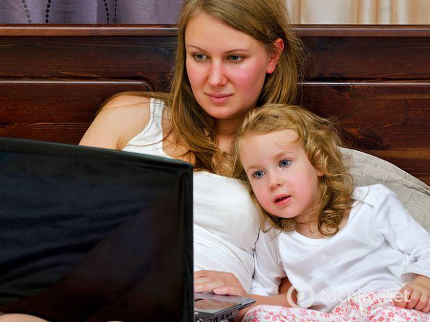 Дитині буде цікаво дивитися мультфільм, та ще й вивчить англійську мову.
