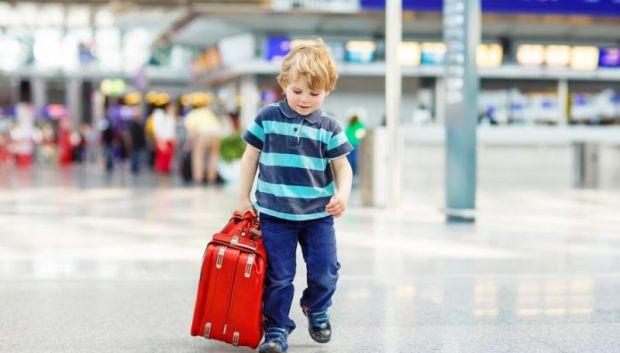 Міністерство внутрішніх справ повідомляє, що уряд ухвалив зміни до правил перетину кордону дітей.