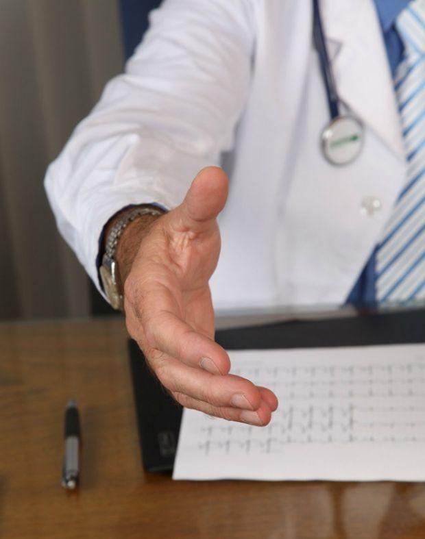 Як обрати медичний центр та лікаря? Де краще порівняти ціни на послуги в різних медичних установах? На ці питання є відповіді на порталі Медлайф.про.