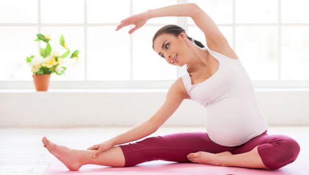 Відмінний спосіб підготуватися до родової діяльності і знизити біль - спеціальна гімнастика для вагітних.