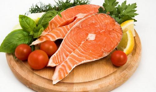 Риба допомагає майбутній мамі забезпечити організм необхідним вітамінами для повноцінного розвитку малюка.