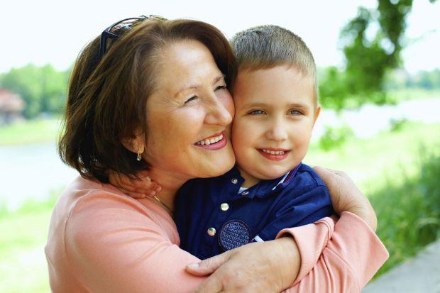 Не завжди добре залишати дитину бабусі, адже вона може розбалувати дитину, яка потім стане не контрольована.