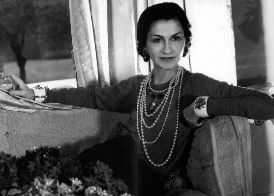 Модна революціонерка, дизайнерка, яка назавжди вписала своє ім'я в історію, славнозвісна та неповторна Коко Шанель завжди славилася своїм містичним ві