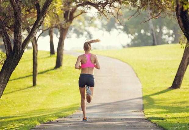 У чому небезпека ранкових пробіжок для здоров'я людини.