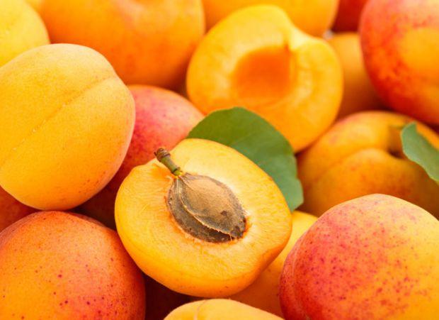 Виявляється, що цим загадковим, але ефективним фруктом є абрикос.