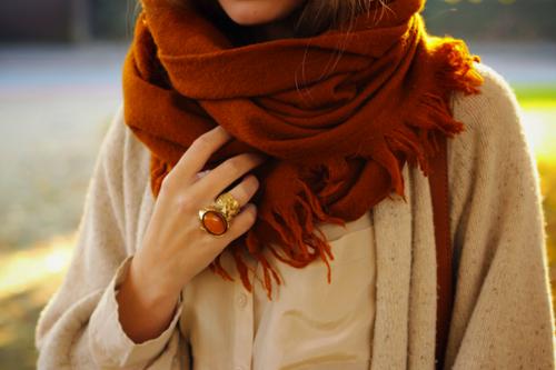 Забудьте про мінімалізм. Хоча б на цю осіньСкромність сьогодні не в моді, особливо якщо мова про прикраси. Жодна сучасна модниця не мислить своє існув
