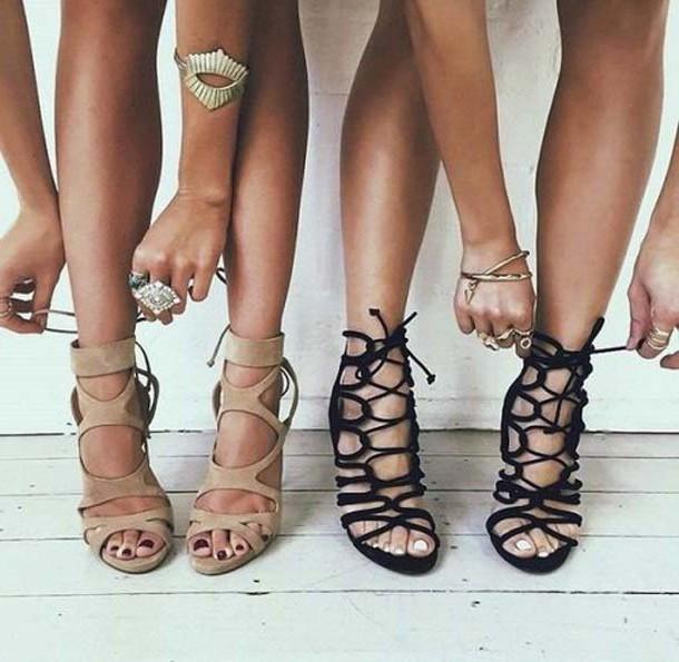 Літнє взуття, яке стане популярним і модним цього року.