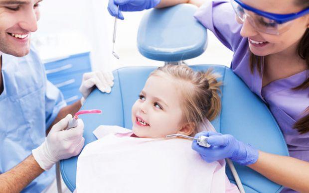 Все просто - під забороною стоматолог!