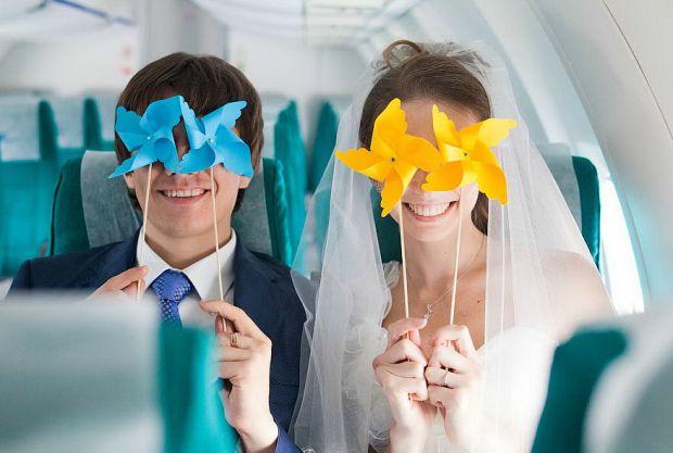 Кожна закохана пара, в планах якої укласти шлюб, обов'язково замислюється про дні, коли статися найголовніше і дивовижний захід у їх житті. Астрологи