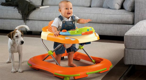Деякі люди використовують дитячі ходунки, щоб допомогти маленьким дітям навчитися ходити. Але чи правда, що це може бути шкідливим для розвитку кісток