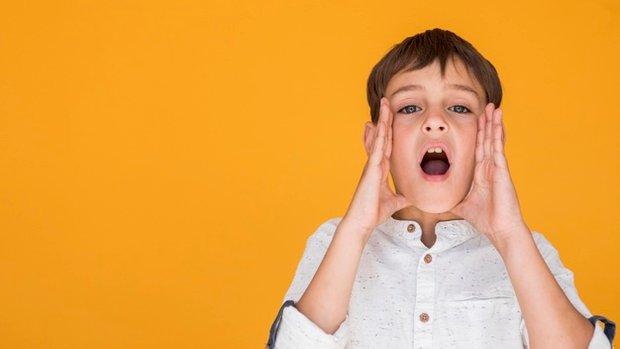 Багато дорослих забороняють дітям кричати, голосно розмовляти, висловлюючи емоції або відстоюючи свою правоту. Вони не замислюються про те, що заборон