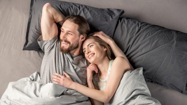 Головне правило, яким потрібно керуватися при виборі подружнього ліжка - чоловікові і жінці повинно бути зручно.
