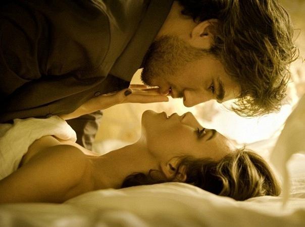 Якщо спитати у чоловіків, якою повинна бути ідеальна жінка, вони перечислять стандартні характеристики позитивної героїні із фільму-життя: доброю, щир