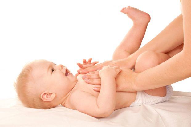 Оскільки нервовий апарат кишечника і синтез травних ферментів у новонародженого ще недорозвинений, то найкращим способом стимулювати моторику і поліпш