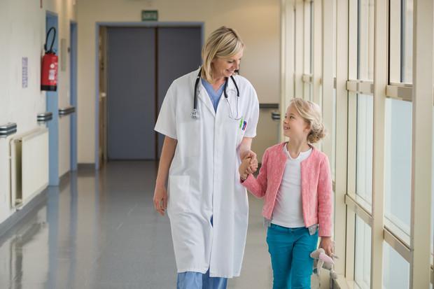 Йдеться про організм дівчаток і те, чому варто крихітку вести до гінеколога