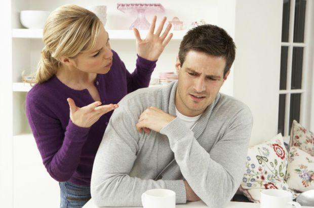 За статистикою, до 80% пар розривають шлюб в перші три роки, далі цей відсоток зменшується до 60%.  Жити разом під одним дахом, однією сім'єю — це зна