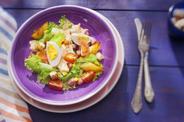 Наукові співробітники розповіли, що легкий ненасичений обід може сприяти стабільній втраті ваги.