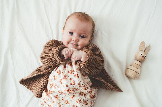 Дитячі психологи попереджають, що батьки легковажать тим фактом, що колір одягу впливає не лише на настрій дитини, але й на її розвиток.