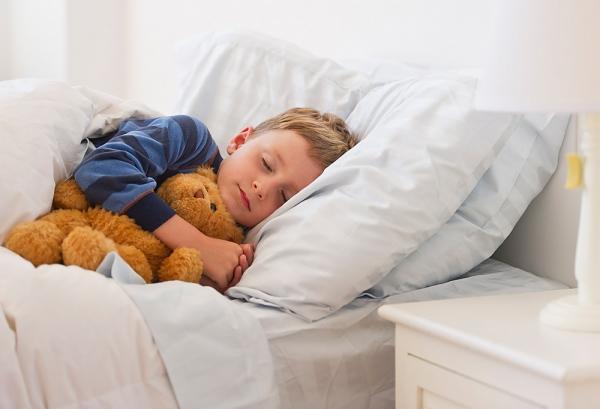 Коли дитина часто нездужає, треба за можливості відкривати листок непрацездатності. Хворій дитині важливо відчувати, що біля неї постійно є мама. Крім