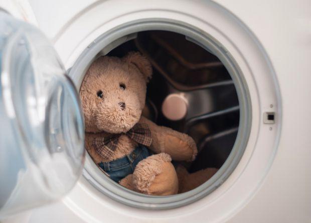 Догляд за іграшками - запорука здоров'я малюка