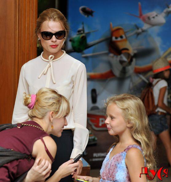 Ольга Фреймут разом із донечкою сходила на прем'єру