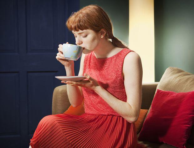 Дослідження показали, як розмір грудей у жінок пов'язаний з любов'ю до кави.