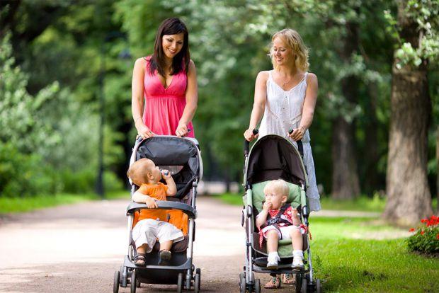 Каждая будущая и уже состоявшаяся мать желает, чтоб у ее ребенка была самая удобная и самая качественная коляска. Выбор, на сегодняшний день, огромный