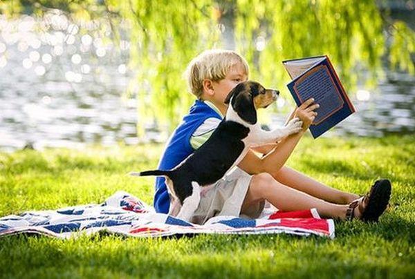 Якщо ви бачите, що вашій дитині нудно, то не варто їй давати гаджет, аби вона бавилася ігри, є безліч інших способів, щоб розвеселити малюка.