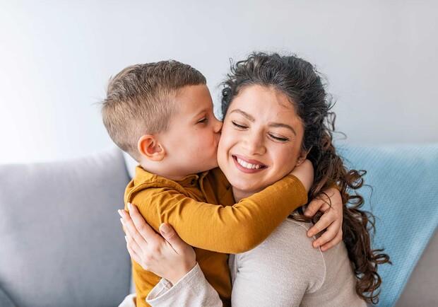 Головною метою всіх батьківських заборон є бажання захистити дитину від можливої небезпеки. І хоча діти дратуються від батьківського «Не можна!», забо