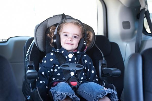 Дуже часто малюка закачує у будь-якому виді транспорту і навіть короткі поїздки перетворюються на муку. Повідомляє сайт Наша мама.