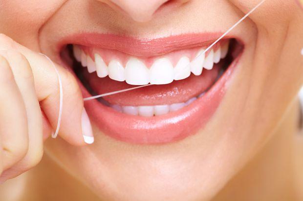 Чому зуби псуються - читайте далі.