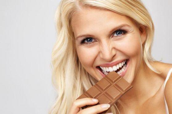 Шоколад для мами, яка вигодовує грудьми: користь чи шкода? Поява дитини змінює звичне життя жінки. Доводиться багато від чого відмовлятися і до багато
