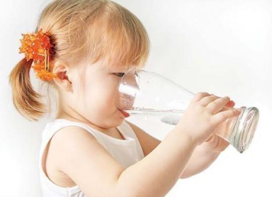 Газовані напої є джерелом багатьох шкідливих речовин, містять велику кількість цукру. Шкідливим є і газ – розширює судини, що сприяє ще інтенсивнішому