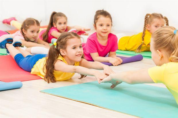Фізичні вправи для розвитку тіла дитини.