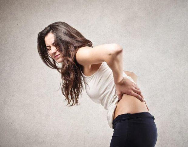 Науковці з США розповіли, що дефіцит вітаміну D може нагадати про себе болями в спині.