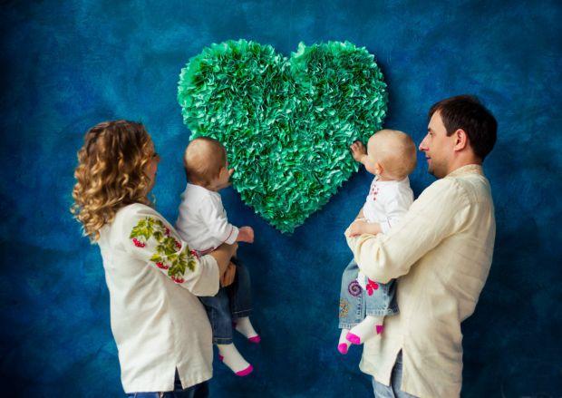 Кількість багатоплідних вагітностей в Україні в останні роки збільшилася як мінімум в два рази. Це - підвищена відповідальність і для батьків, і для л